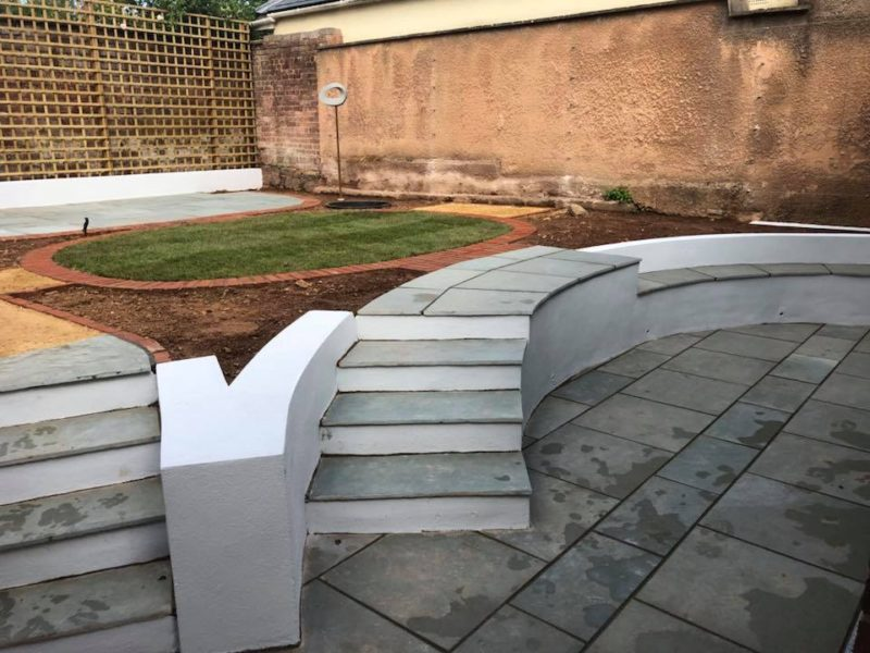 Garden Paving With Larger Slabs and Brick